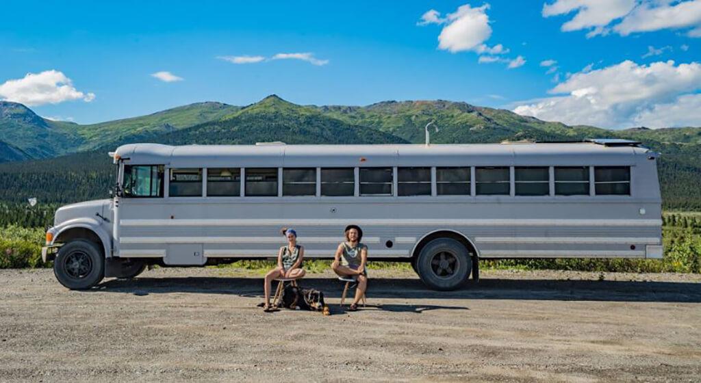 couple-builds-dream-home-school-bus_026
