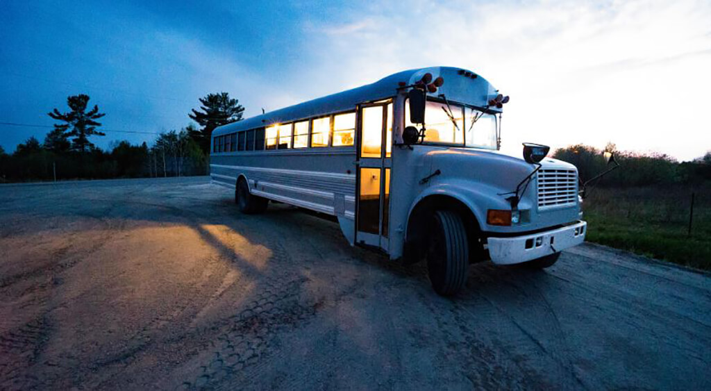 couple-builds-dream-home-school-bus_029