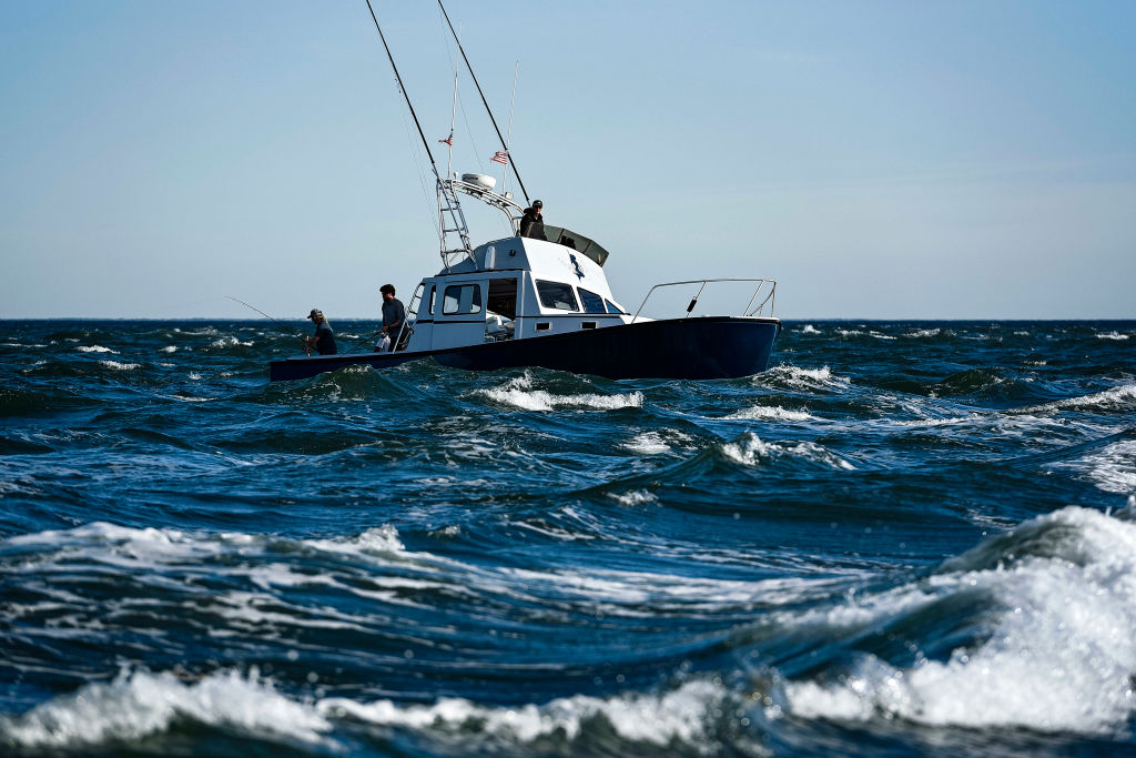 crew needed to be extra careful approaching iceberg in choppy water
