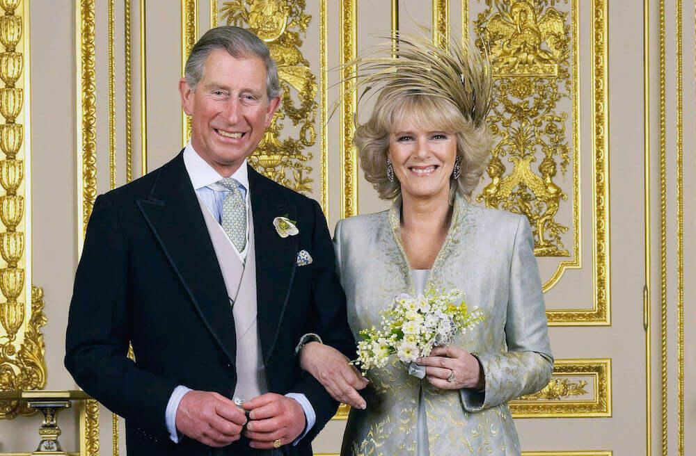 British family dressed up older royals