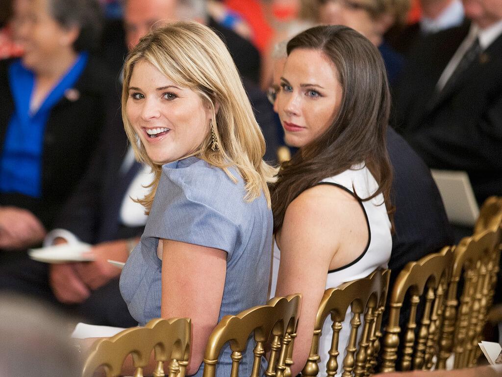 Barbara-Bush-and-Jenna-Bush-28826-21918.jpg