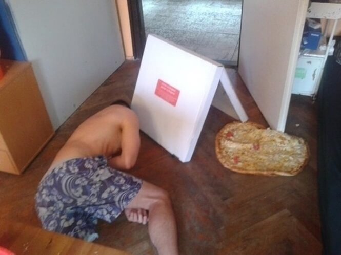 Pizza-On-Floor-33421-62207.jpg