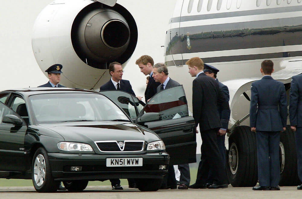 Prince-Charles-William-and-Harry-66376-60193.jpg