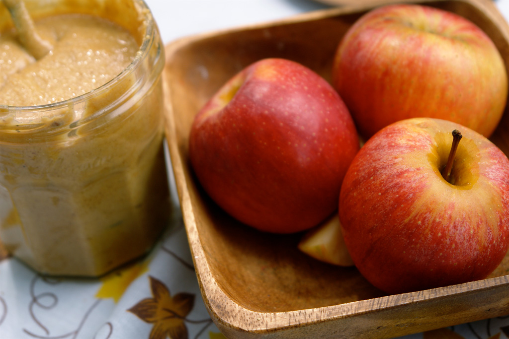 apples-natural-peanut-butter