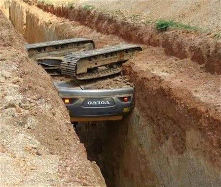 construction-fail-fall-hole-15773