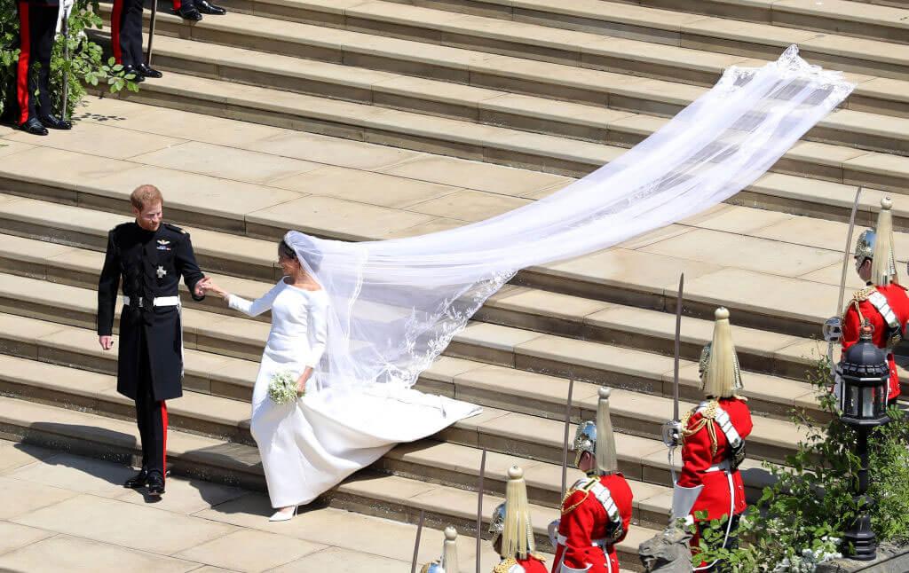 meghan-wedding-dress-64062