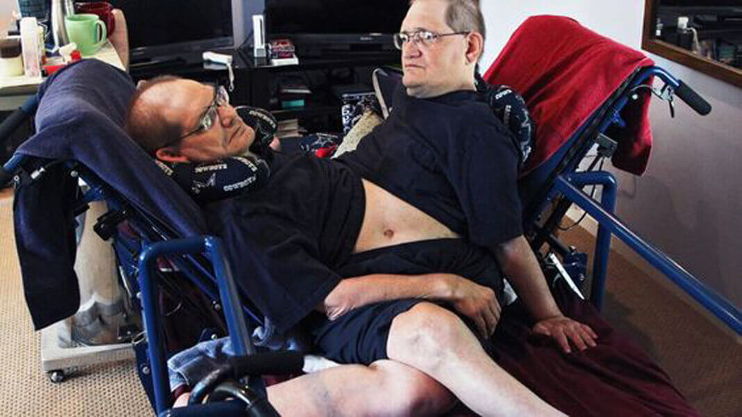 old-in-chair-twins-97092-86607-34648.jpg