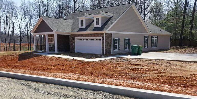 you-had-one-job-house-garage-driveway-fail-58af1ab15f9b5860462cf9d7-61385