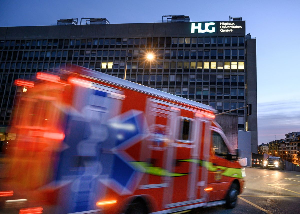 ambulance arriving at the Geneva University Hospitals