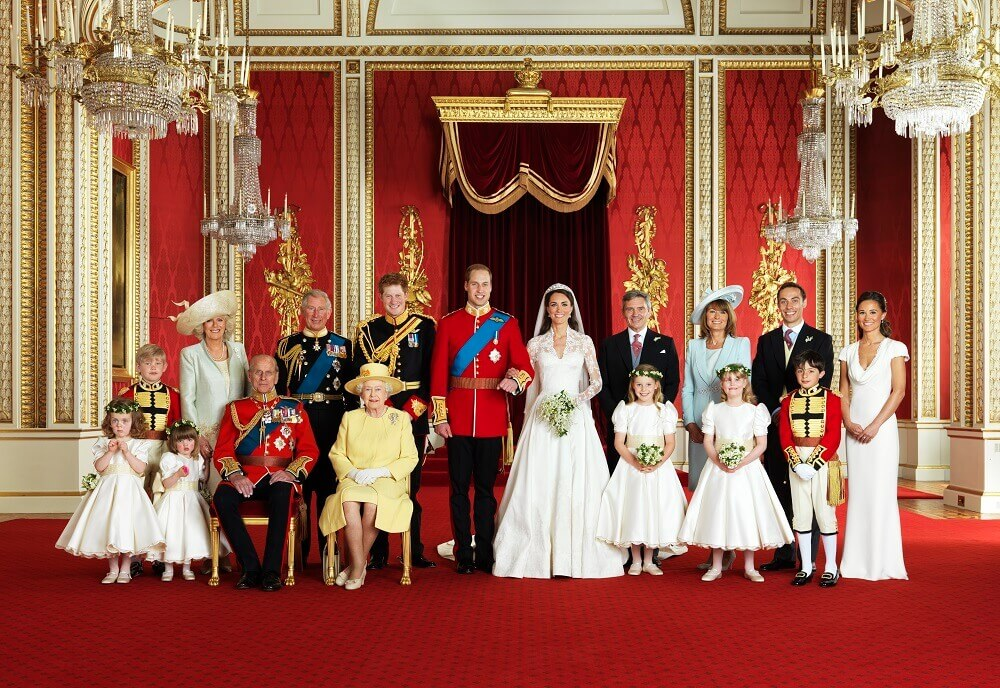 Kate-Middleton-with royal family all dressed up Christmas