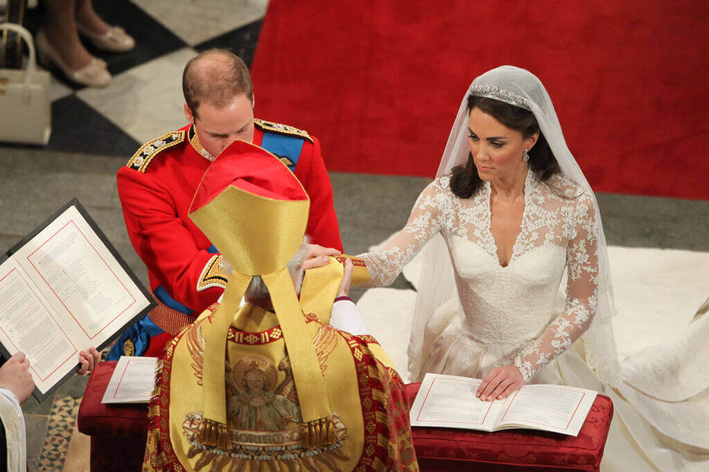 Kate-Middleton-and William priest during wedding