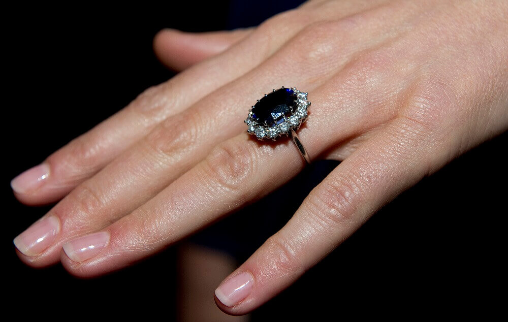 Kate-Middleton-ring expensive manicured hands