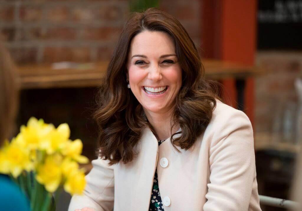 Kate-Middleton smiling with white teeth