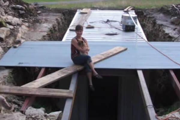 digahole11-sitting on underground roof