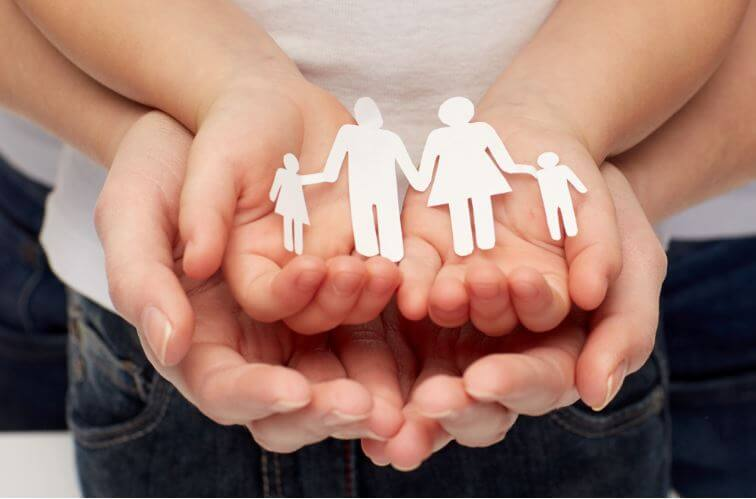 paper family with hands family