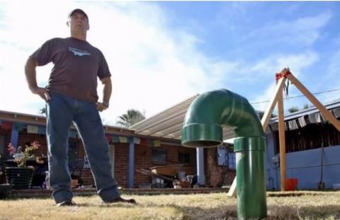 green-pipe-john  sims posing