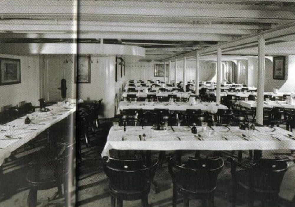 titanic-15-third class dining black and white
