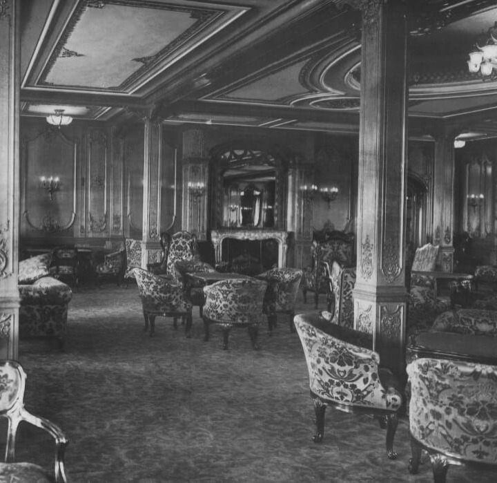 titanic-9-1st class lounge black and white