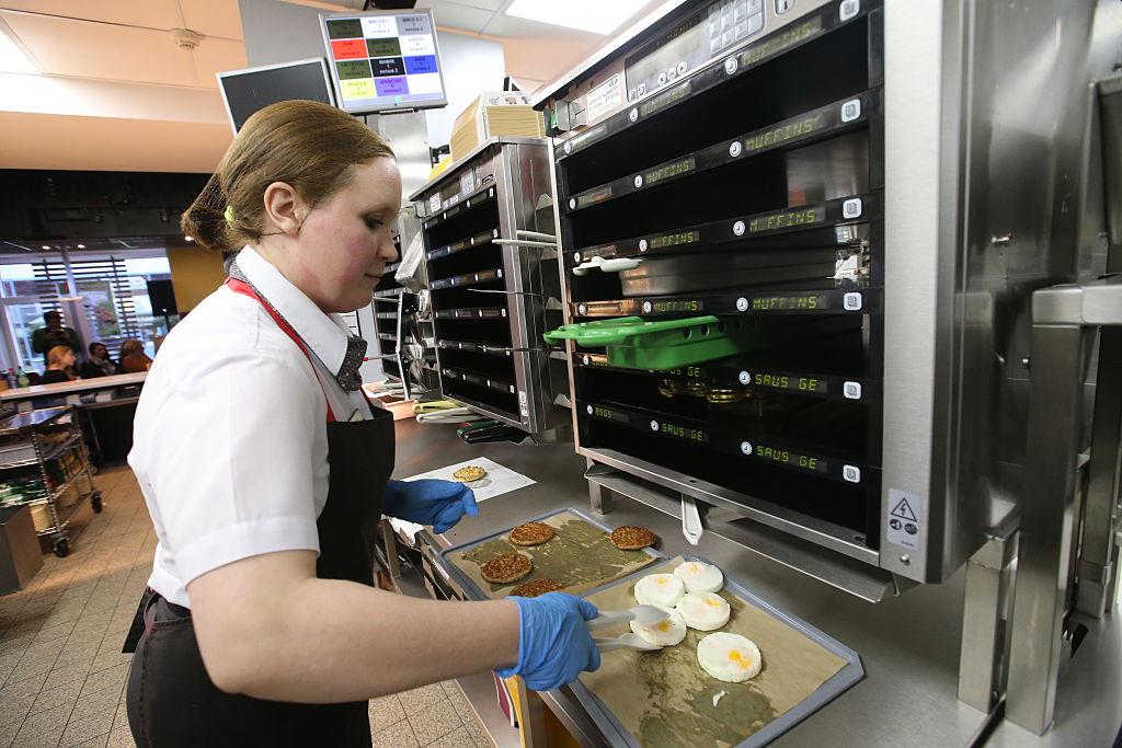 A worker of McDonald's fast food restaurant in Kamennoostrovsky Prospekt