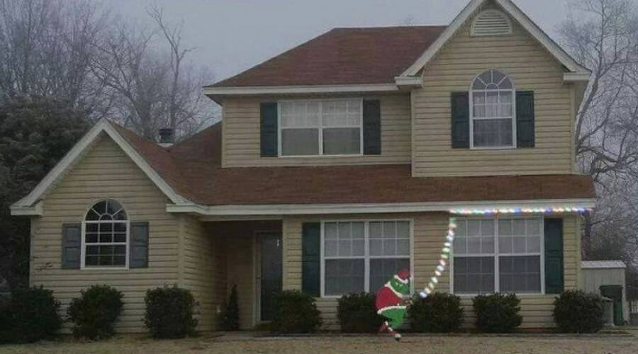 house with christmas decoration of The Grinch