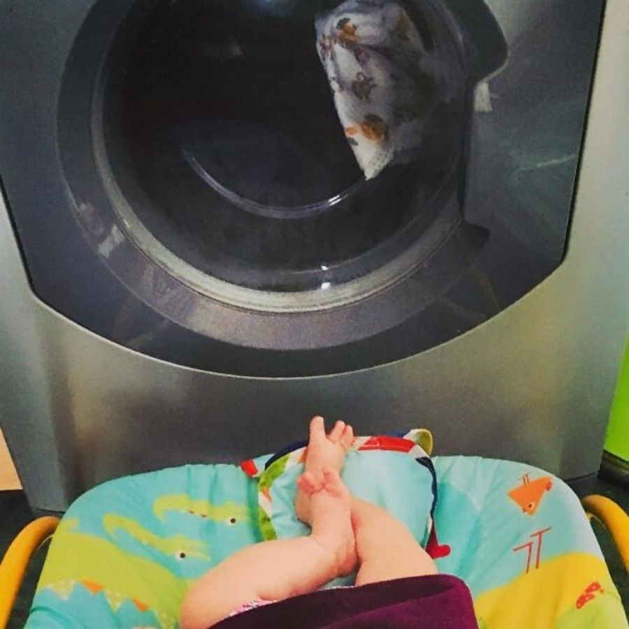 baby entertainment hack for parents