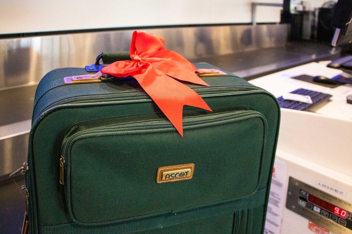 ribbon on luggage