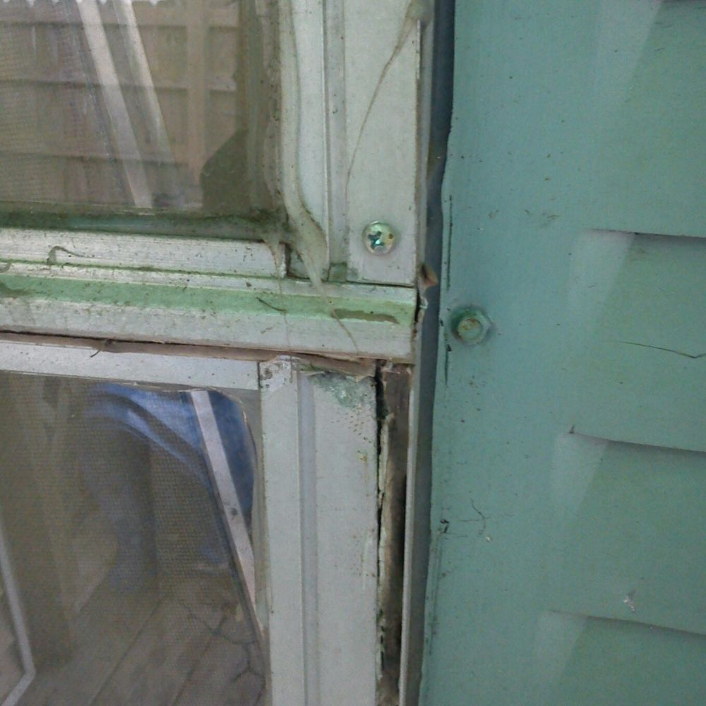 windows screwed shut at a tenants apartment