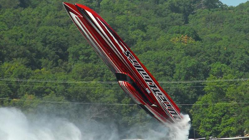 speedboat-flipping-upside-down