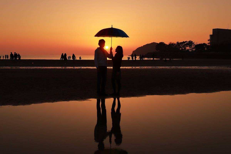 love with umbrella
