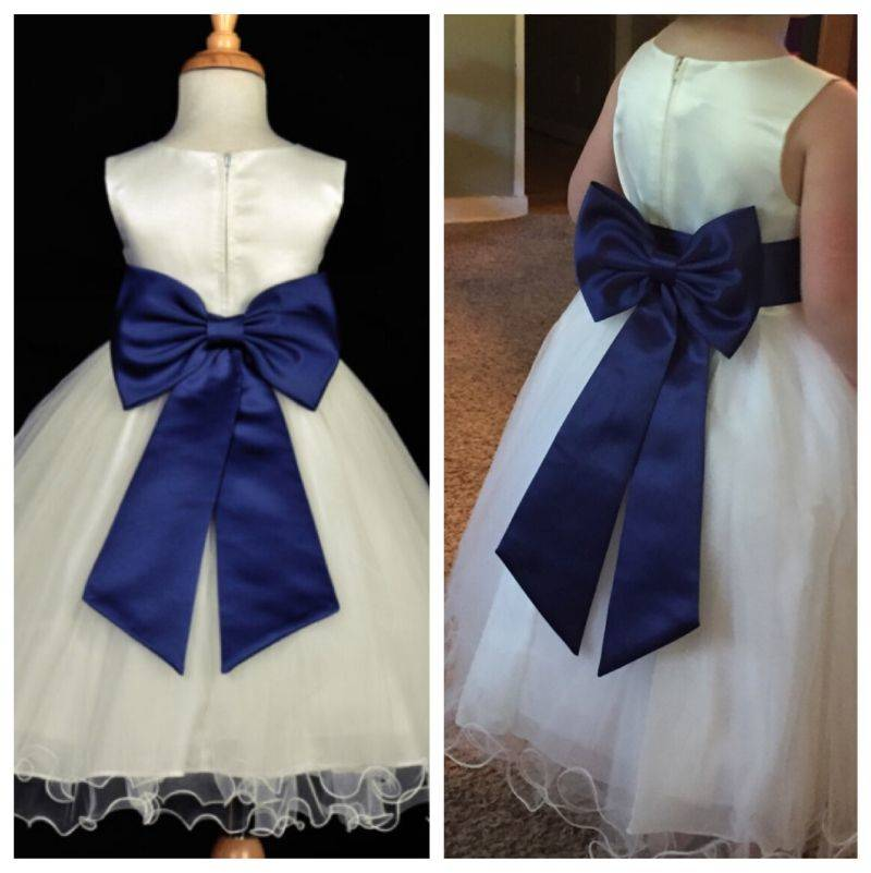 a flower girl dress looks just like the picture of it online
