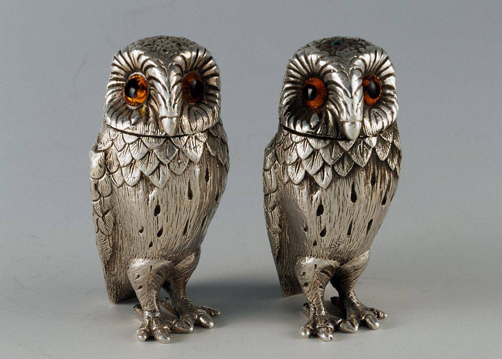 Owl slat and pepper shakers