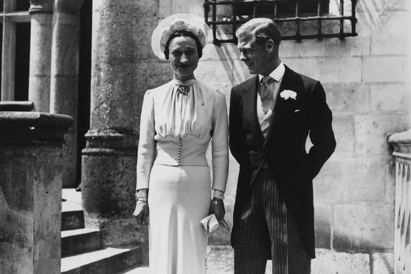he Duke of Winsdor marries Wallis Warfield Simpson