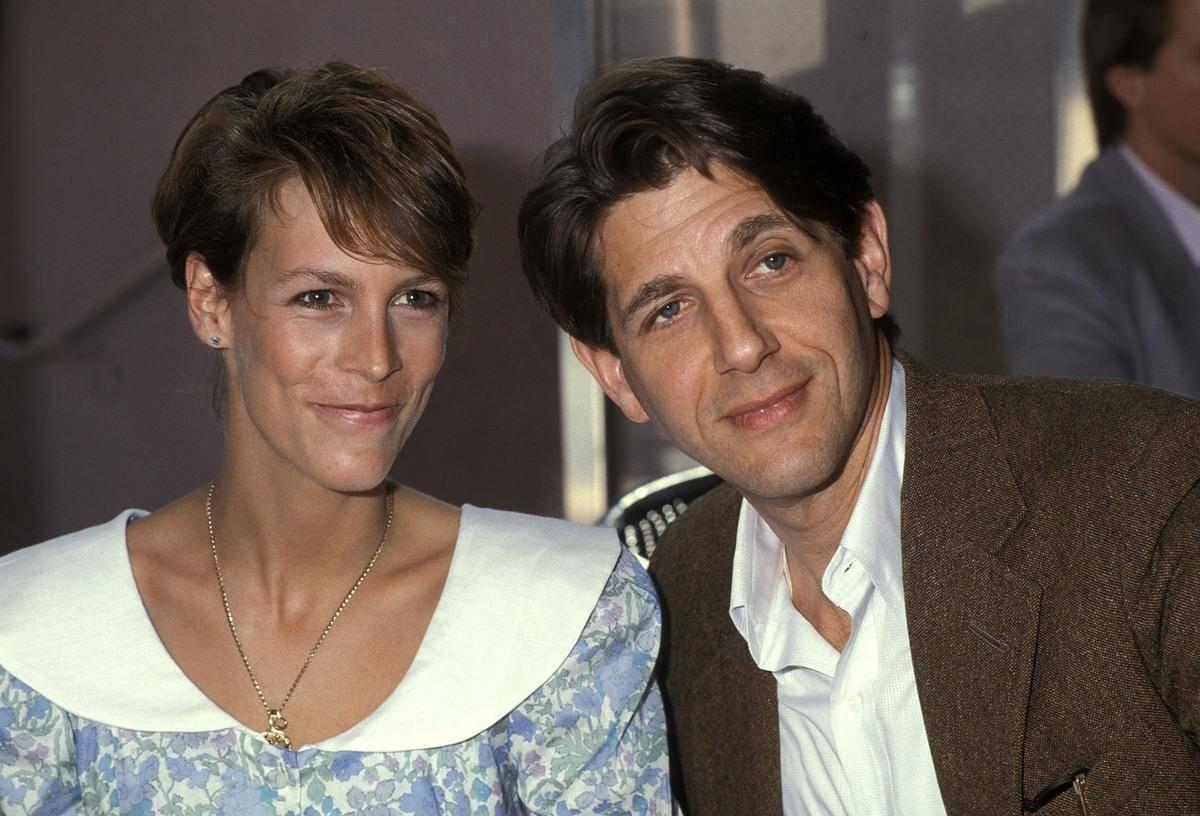 Jamie-Lee-Curtis-1985-73905 with man
