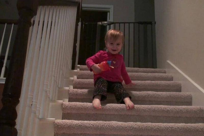 child-stairs-90088